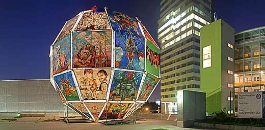Integrationsweltkugel im Artpark