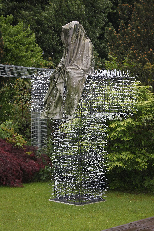 T-Guardians-Manfred-Kielnhofer-Christoph-Luckeneder-contemporary-art-design-sculpture-architecture-statue-light-art-biennial-festival1704