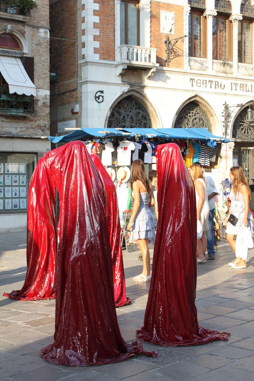 public art biennial festival show exhibition in Venice by Manfred Kielnhofer guardians of time contemporary art design architecture sculpture theatre 3885