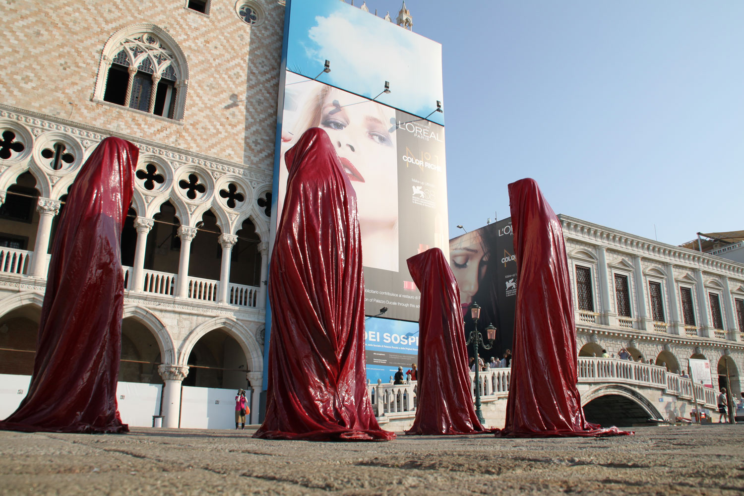 public biennale de arte venice international world light art arts design exhibition sculpture guardians of time manfred kielnhofer 4339