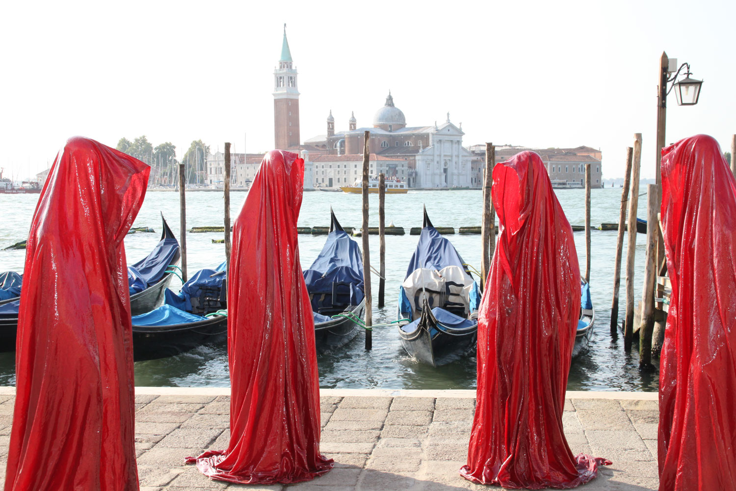 public biennale de arte venice international world light art arts design exhibition sculpture guardians of time manfred kielnhofer 4344