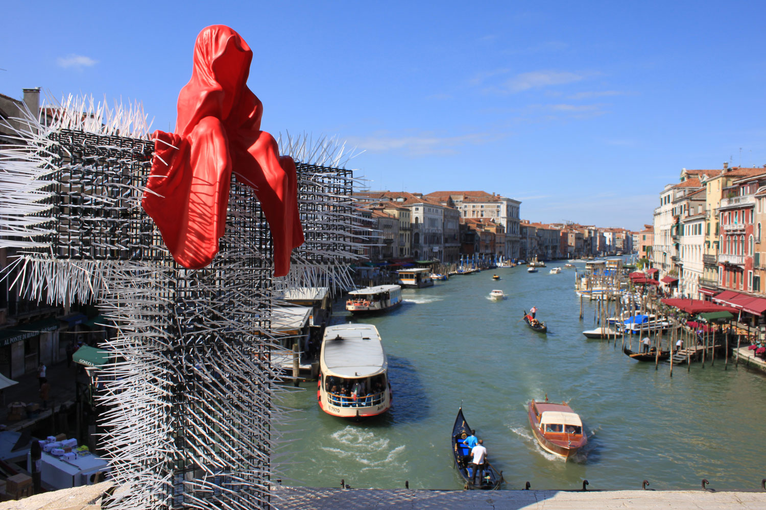 public-show-art-biennial-venice-italy-christoph-luckeneder-manfred-kielnhofer-t-guardian-sculpture-art-arts-2590