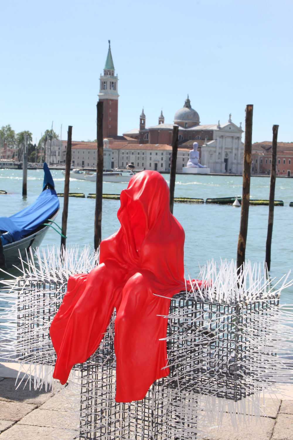 public-show-art-biennial-venice-italy-christoph-luckeneder-manfred-kielnhofer-t-guardian-sculpture-art-arts-arte-2730
