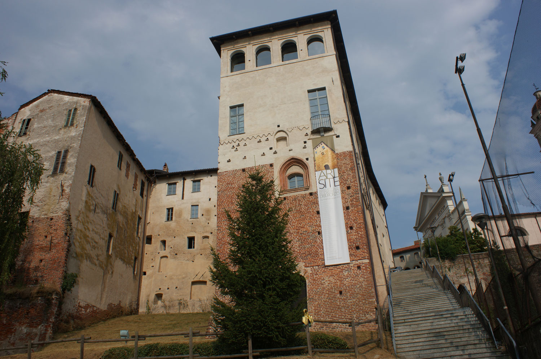 Castello-Buronzo-ARTSITE-Italy-Austrian-Artists-Christoph-Luckeneder-and-Manfred-Kielnhofer-contemporary-art-sculpture-show-2573