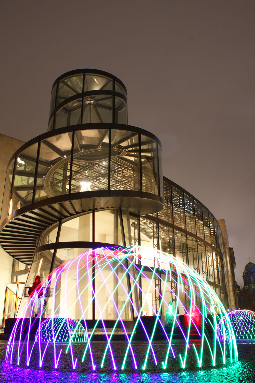 festival-of-light-berlin-german-historic-museum-guardians-of-time-kielnhofer-contemporary-light-art-sculpture-6943