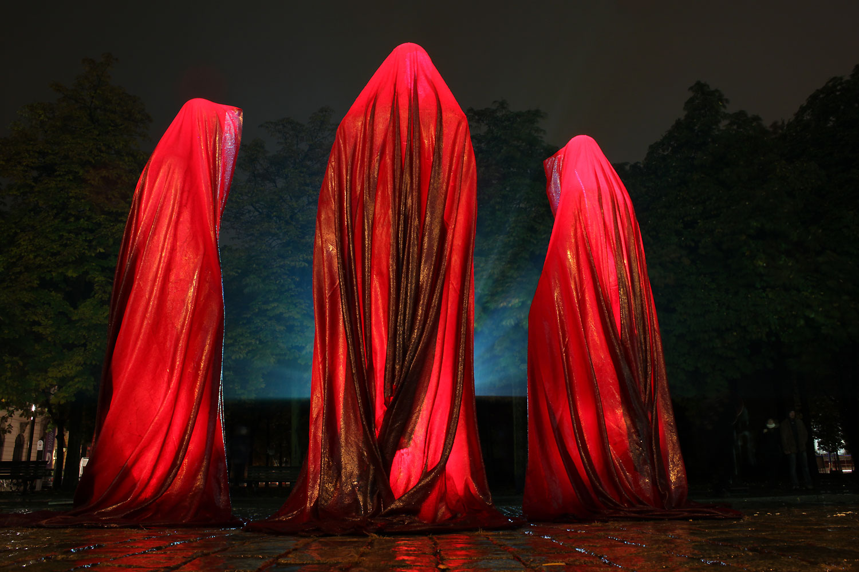 festival-of-light-berlin-guardians-of-time-kielnhofer-contemporary-light-art-sculpture-6956