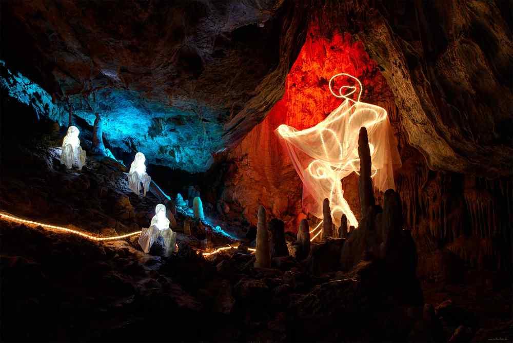 world of lights guardians of time light art sculpture manfred kielnhofer light show wolfgang flammersfeld