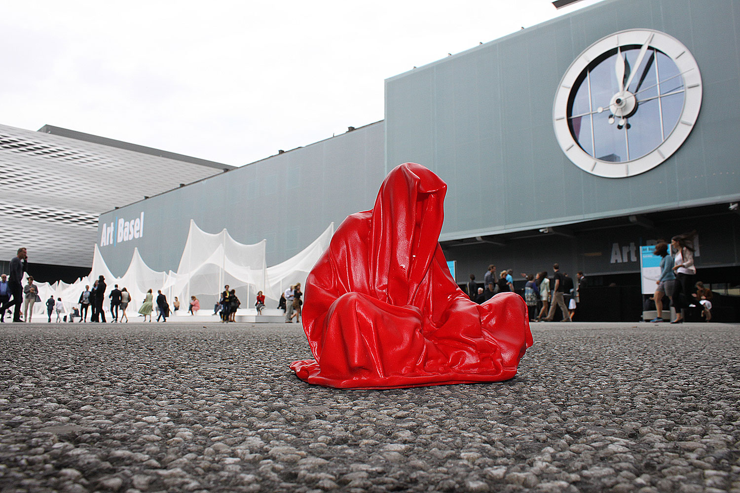 highlights-public-artbasel-scope-art-show-guardians-of-time-manfred-kielnhofer-steinreich-contemporary-art-sculpture-tour-1245
