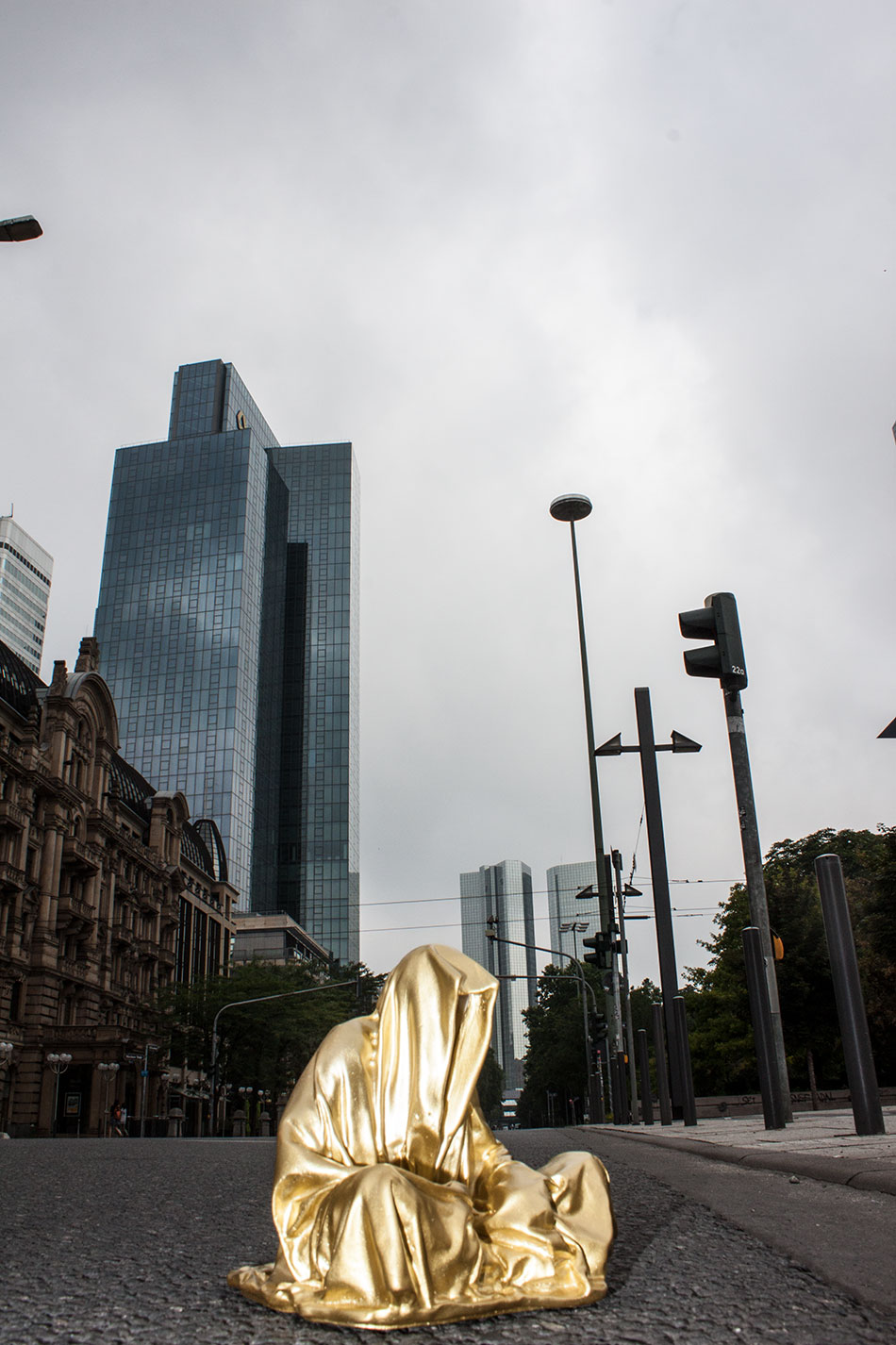 art-germany-frankfurt-guardians-of-time-manfred-kielnhofer-public-modern-contemporary-art-fine-arts-sculpture-design-streat-art-2191