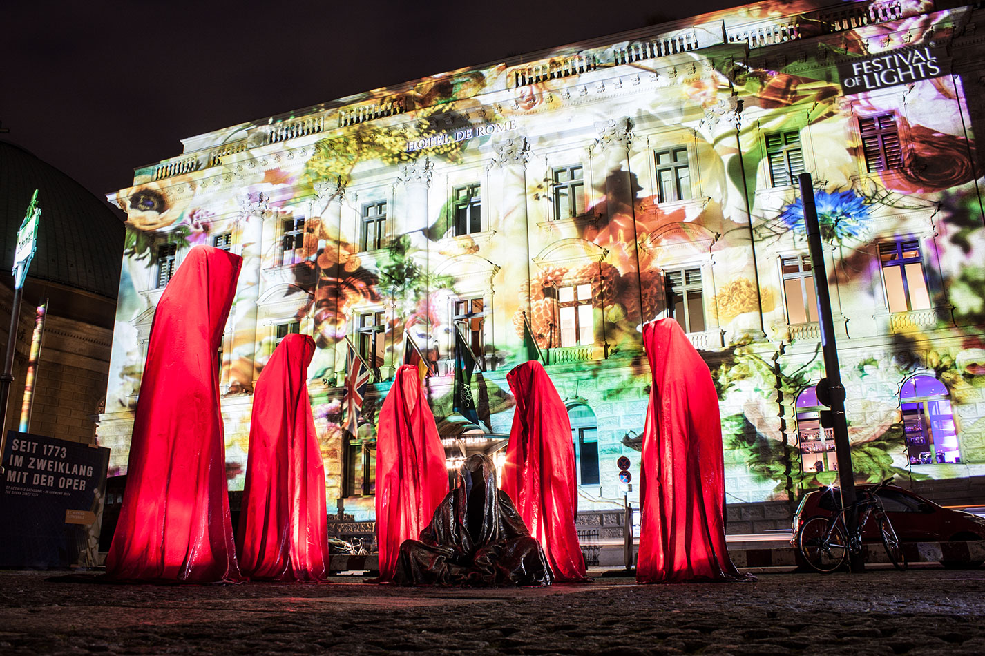 festival-of-lights-berlin-hotel-de-rome-light-art-show-exhibition-lumina-guardians-of-time-manfred-kili-kielnhofer-contemporary-arts-design-sculpture-3375