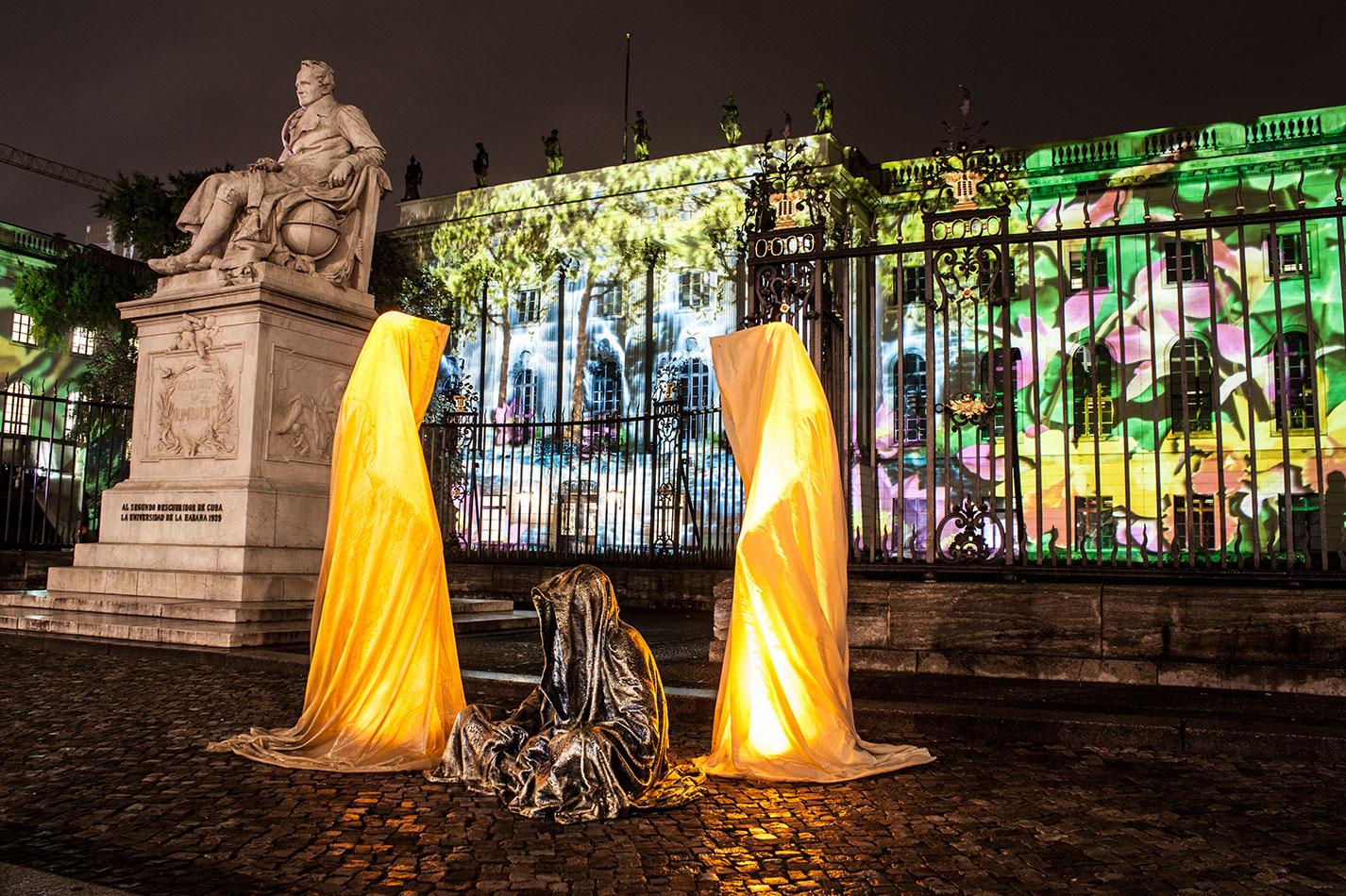 festival-of-lights-berlin-humbold-university-light-art-festival-contemporary-fine-art-design-show-guardiansof-time-manfred-kili-kielnhofer-sculpture-3584