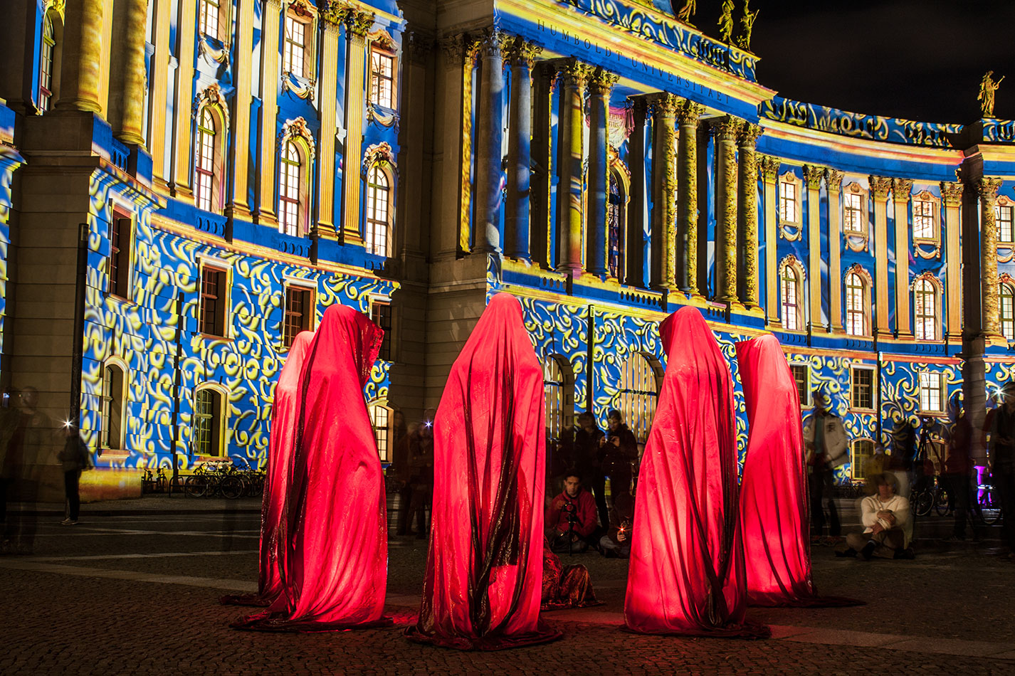 festival-of-lights-berlin-humboldt-university-light-art-show-exhibition-lumina-guardians-of-time-manfred-kili-kielnhofer-contemporary-arts-design-sculpture-3401