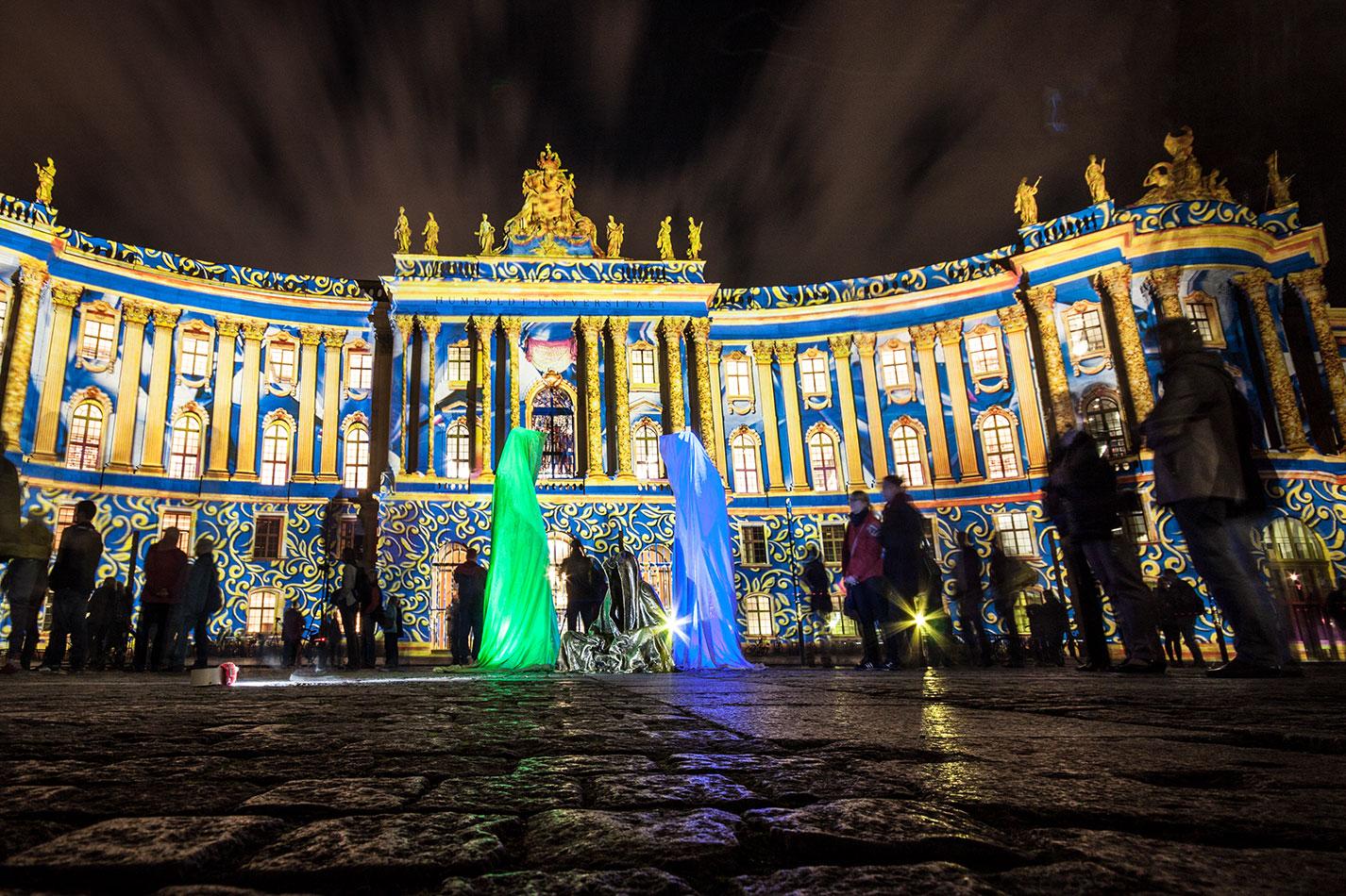 festival-of-lights-berlin-humboldt-university-light-art-show-exhibition-lumina-guardians-of-time-manfred-kili-kielnhofer-contemporary-arts-design-sculpture-3420