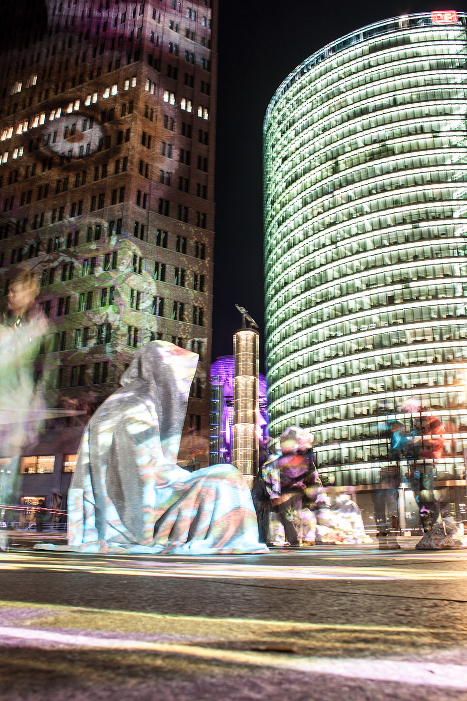 festival-of-lights-berlin-potzdamer-platz-light-art-show-exhibition-lumina-guardians-of-time-manfred-kili-kielnhofer-contemporary-arts-design-sculpture-3201