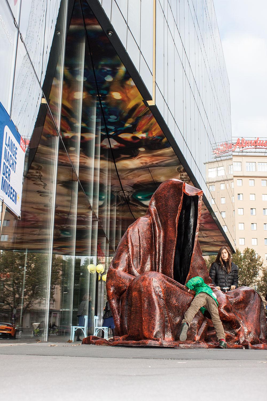 stilwerk design tower vienna guardians of time by manfred kielnhofer duekouba designkooperative  contemporary art design sculpture antique 2761y