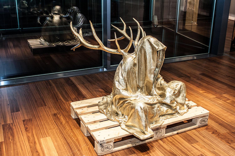 stilwerk design tower vienna guardians of time by manfred kielnhofer duekouba designkooperative  contemporary art design sculpture antique 2820y