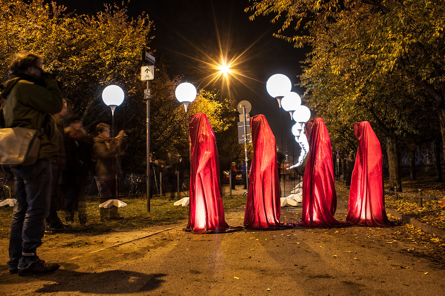25-jears-wallfall-berlin-germany-contemporary-fine-art-show-arts-design-guardians-of-time-manfred-kili-kielnhofer-4314 - Kopie