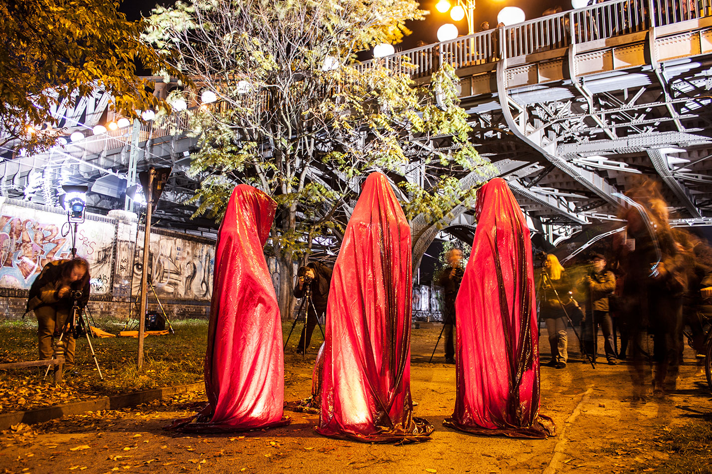 25-jears-wallfall-berlin-germany-contemporary-fine-art-show-arts-design-guardians-of-time-manfred-kili-kielnhofer-4341