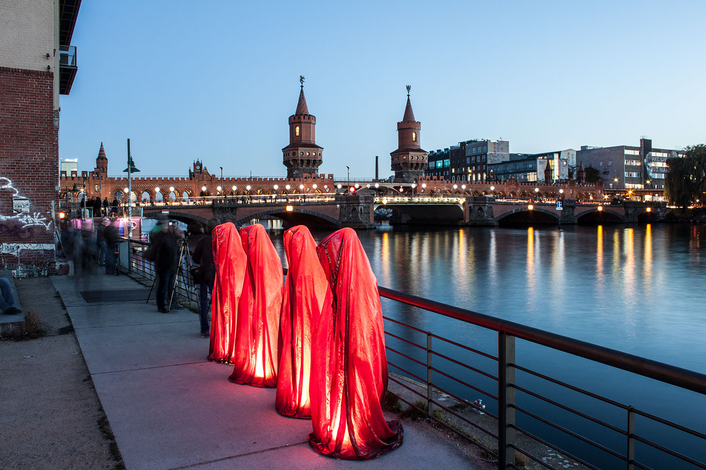 25-years-wallfall-berlin-germany-east-side-gallery-contemporary-fine-art-show-arts-design-guardians-of-time-manfred-kili-kielnhofer-4458