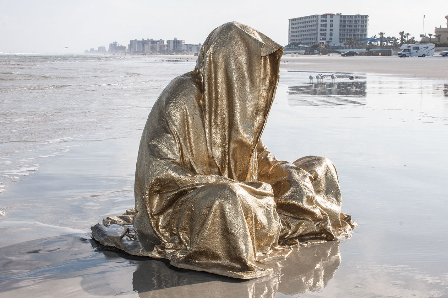 art-basel-miami-beach-fair-usa-florida-guardians-of-time-manfred-kili-kielnhofer-contemporary-fine-art-modern-arts-design-antiques-sculpture-5214