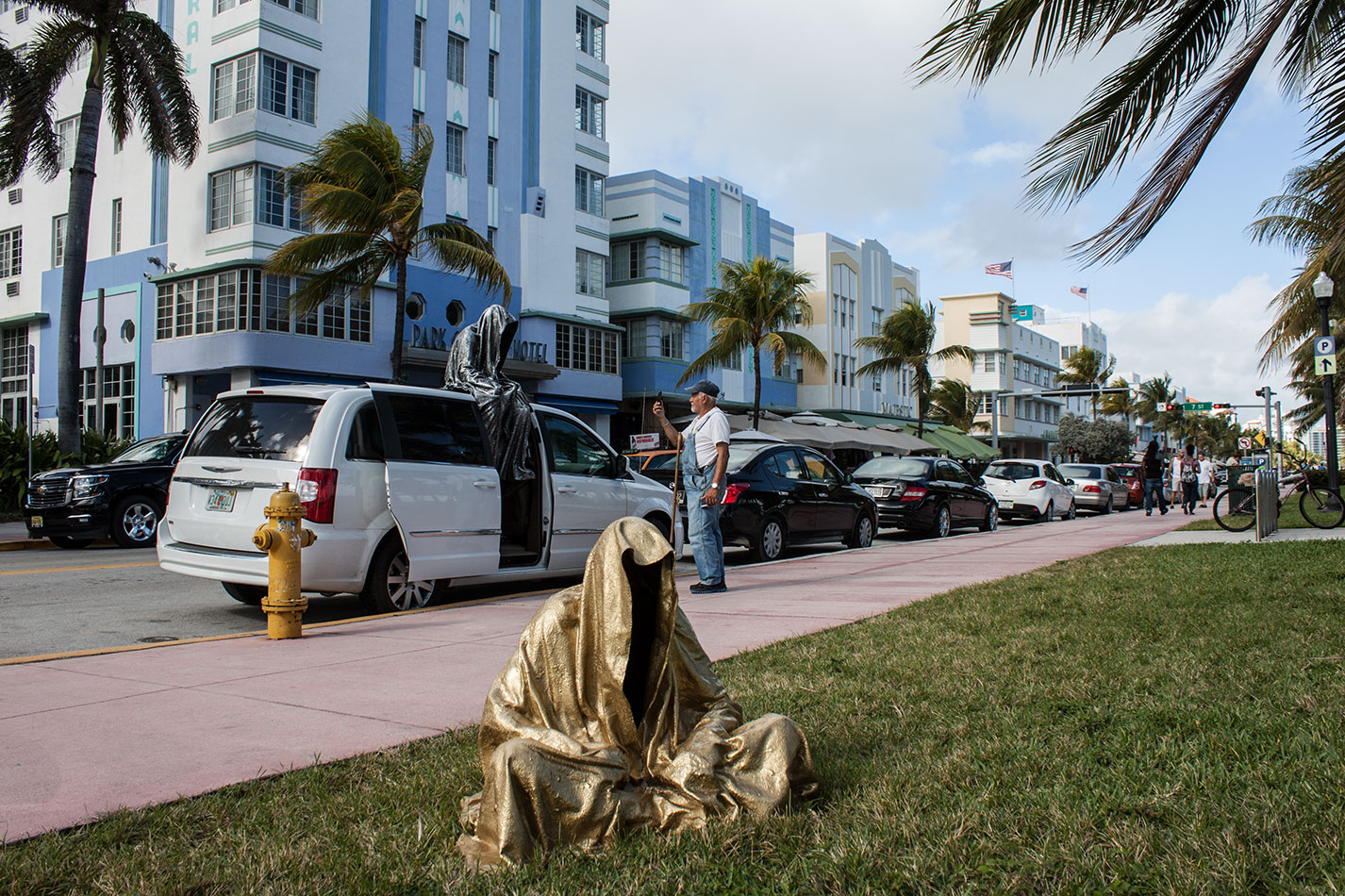 art-basel-miami-beach-fair-usa-florida-guardians-of-time-manfred-kili-kielnhofer-contemporary-fine-art-modern-arts-design-antiques-sculpture-5912