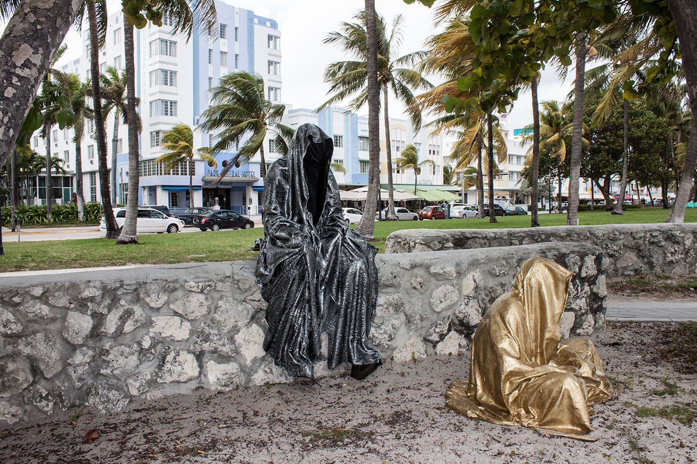 art-basel-miami-beach-fair-usa-florida-guardians-of-time-manfred-kili-kielnhofer-contemporary-fine-art-modern-arts-design-antiques-sculpture-5956