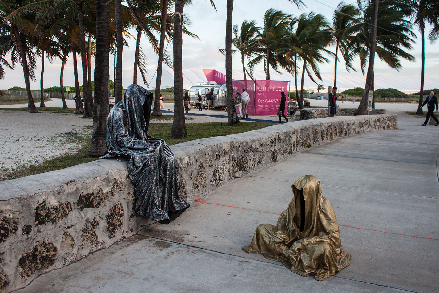 art-basel-miami-beach-fair-usa-florida-guardians-of-time-manfred-kili-kielnhofer-contemporary-fine-art-modern-arts-design-antiques-sculpture-6182