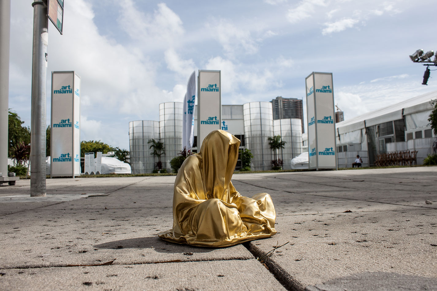 art-basel-miami-beach-fair-usa-florida-guardians-of-time-manfred-kili-kielnhofer-contemporary-fine-art-modern-arts-design-antiques-sculpture-6258