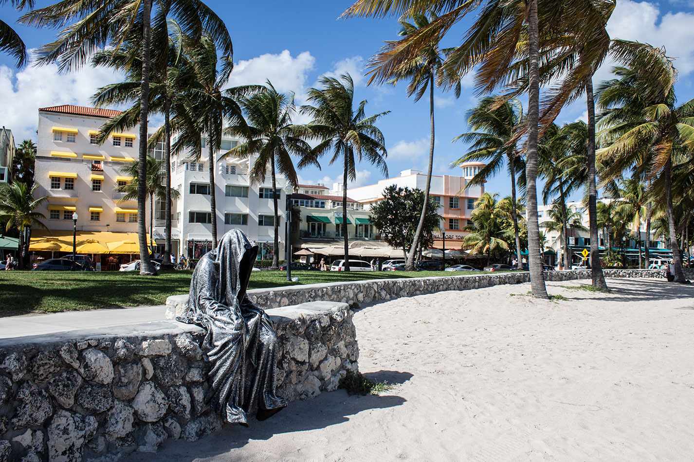 public-art-basel-miami-beach-fair-usa-florida-bass-museum-guardians-of-time-manfred-kili-kielnhofer-contemporary-fine-art-modern-arts-design-antiques-sculpture-6550