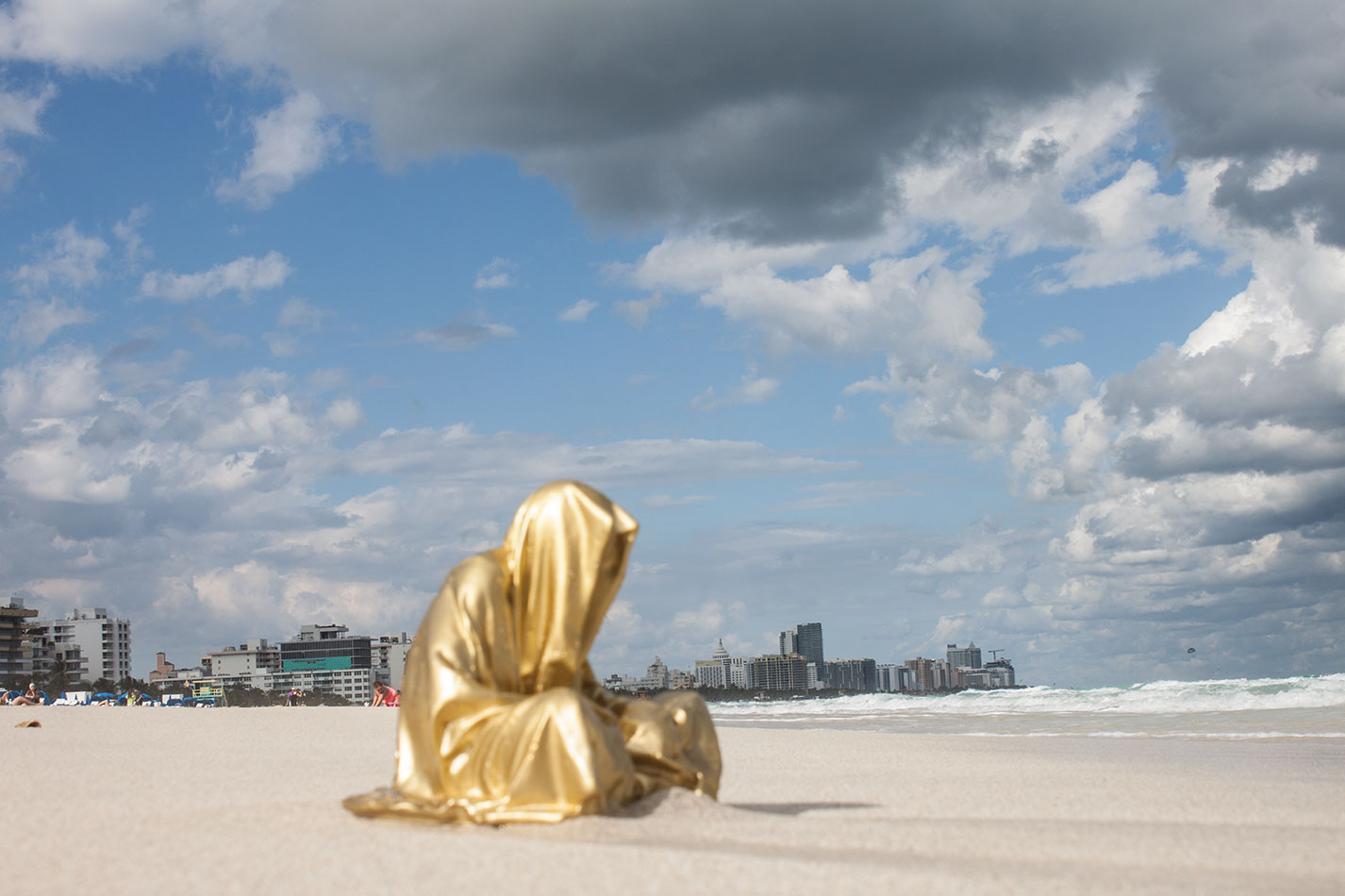 public-art-basel-miami-beach-fair-usa-florida-guardians-of-time-manfred-kili-kielnhofer-contemporary-fine-art-modern-arts-design-antiques-sculpture-6853