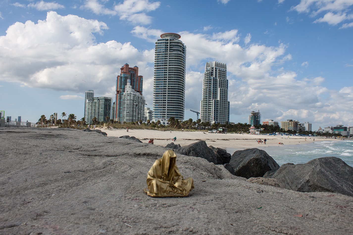 public-art-basel-miami-beach-fair-usa-florida-guardians-of-time-manfred-kili-kielnhofer-contemporary-fine-art-modern-arts-design-antiques-sculpture-6893