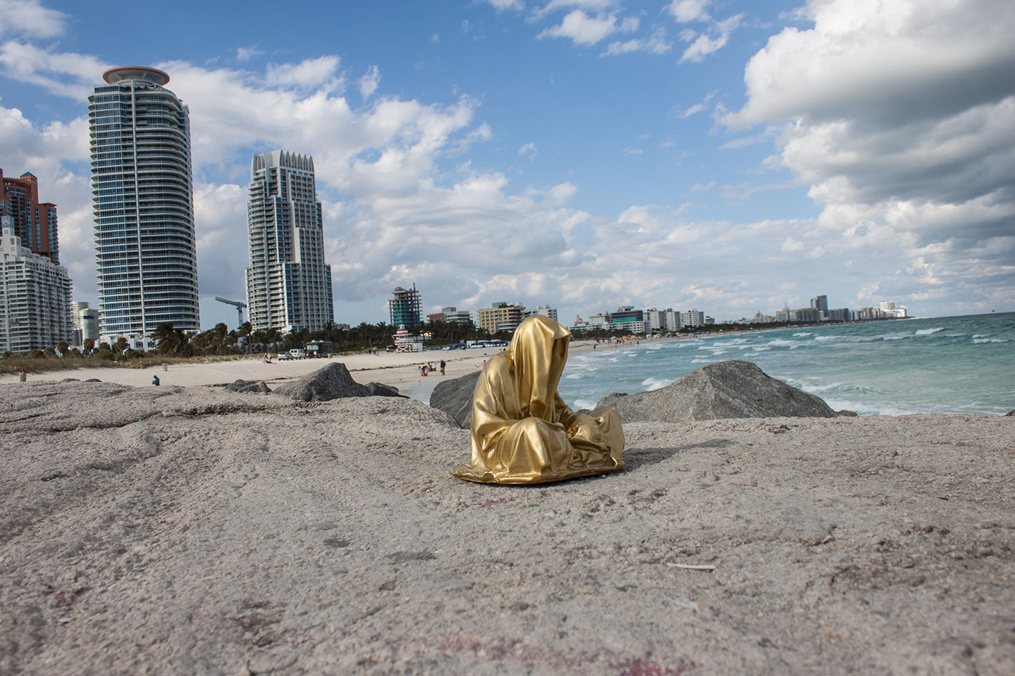 public-art-basel-miami-beach-fair-usa-florida-guardians-of-time-manfred-kili-kielnhofer-contemporary-fine-art-modern-arts-design-antiques-sculpture-6895
