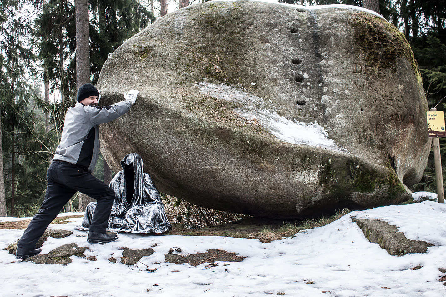 waldviertel-wackelsteine-moving-stones-contemporary-art-design-photography-arts-antique-guardians-of-time-manfred-kili-kielnhofer-7694