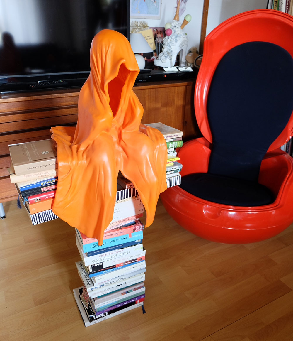 DSCF0498oo Cross cruzifix concept by Manfred Kielnhofer  Guardian on top of books T - Time Guardians of Time - contemporary art sculpture statue design arts arte copy right