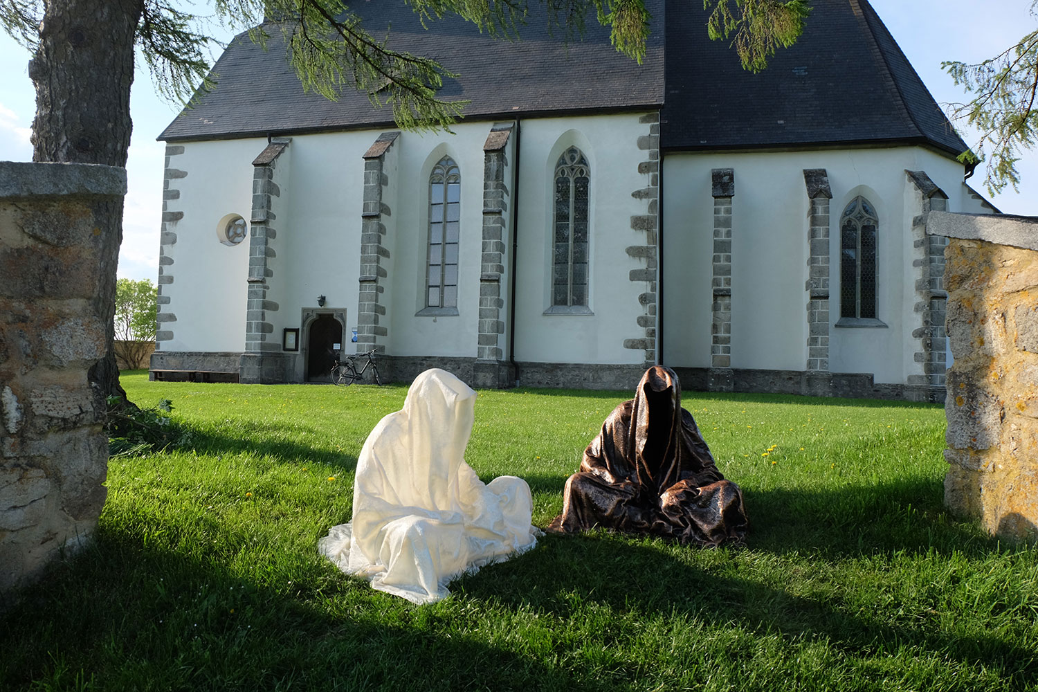 guardians-of-time-manfred-kili-kielnhofer-contemporary-fine-art-design-sculpture-antique-religion-chirch-gotic-2586