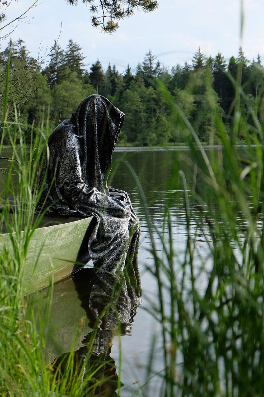 Avalon Island legend farryman-pound-lake-boad-waldviertel-austria-guardians-of-time-manfred-kielnhofer-contemporary-art-design-arts-theater-dance-arte-performance-sculpture-show-3361