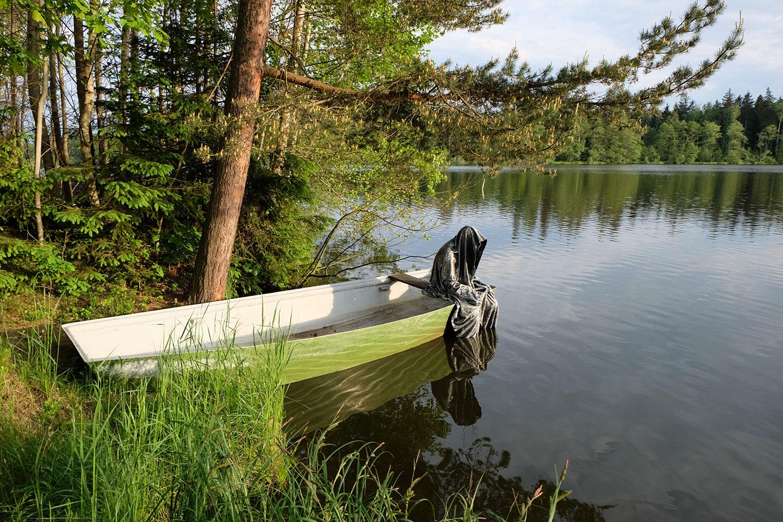 Avalon Island legend farryman-pound-lake-boad-waldviertel-austria-guardians-of-time-manfred-kielnhofer-contemporary-art-design-arts-theater-dance-arte-performance-sculpture-show-3400