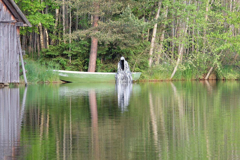 Avalon Island legend farryman-pound-lake-boad-waldviertel-austria-guardians-of-time-manfred-kielnhofer-contemporary-art-design-arts-theater-dance-arte-performance-sculpture-show-3406