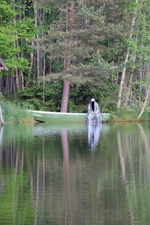 Avalon Island legend farryman-pound-lake-boad-waldviertel-austria-guardians-of-time-manfred-kielnhofer-contemporary-art-design-arts-theater-dance-arte-performance-sculpture-show-3408