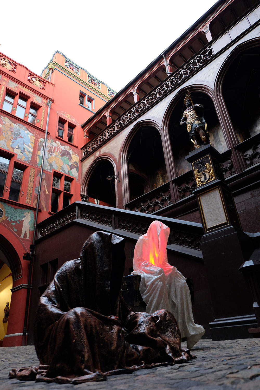 artbasel-swiss-scope-art-guardians-of-time-manfred-kili-kielnhofer-large-scale-contemporary-art-design-sculpture-statue-arts-arte-4699
