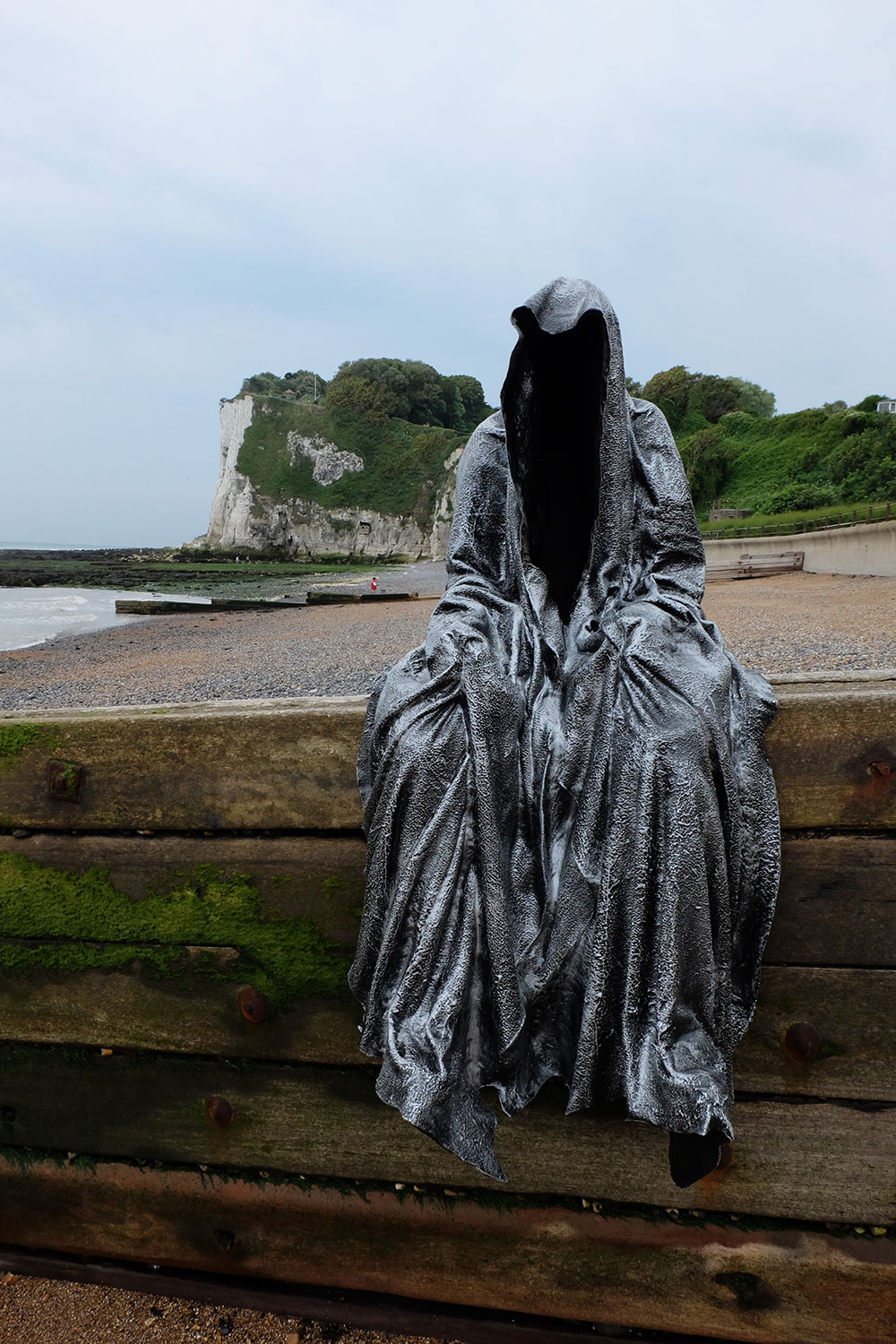 guardians-of-guardians-of-time-manfred-kili-kielnhofer-uk-england-dover-public-contemporary-art-arts-design-sculpture-6432